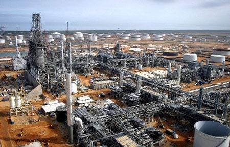 Construcción en Jose por empresas venezolanas